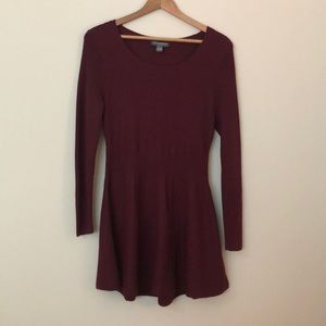 A Pea in the Pod burgundy peplum sweater